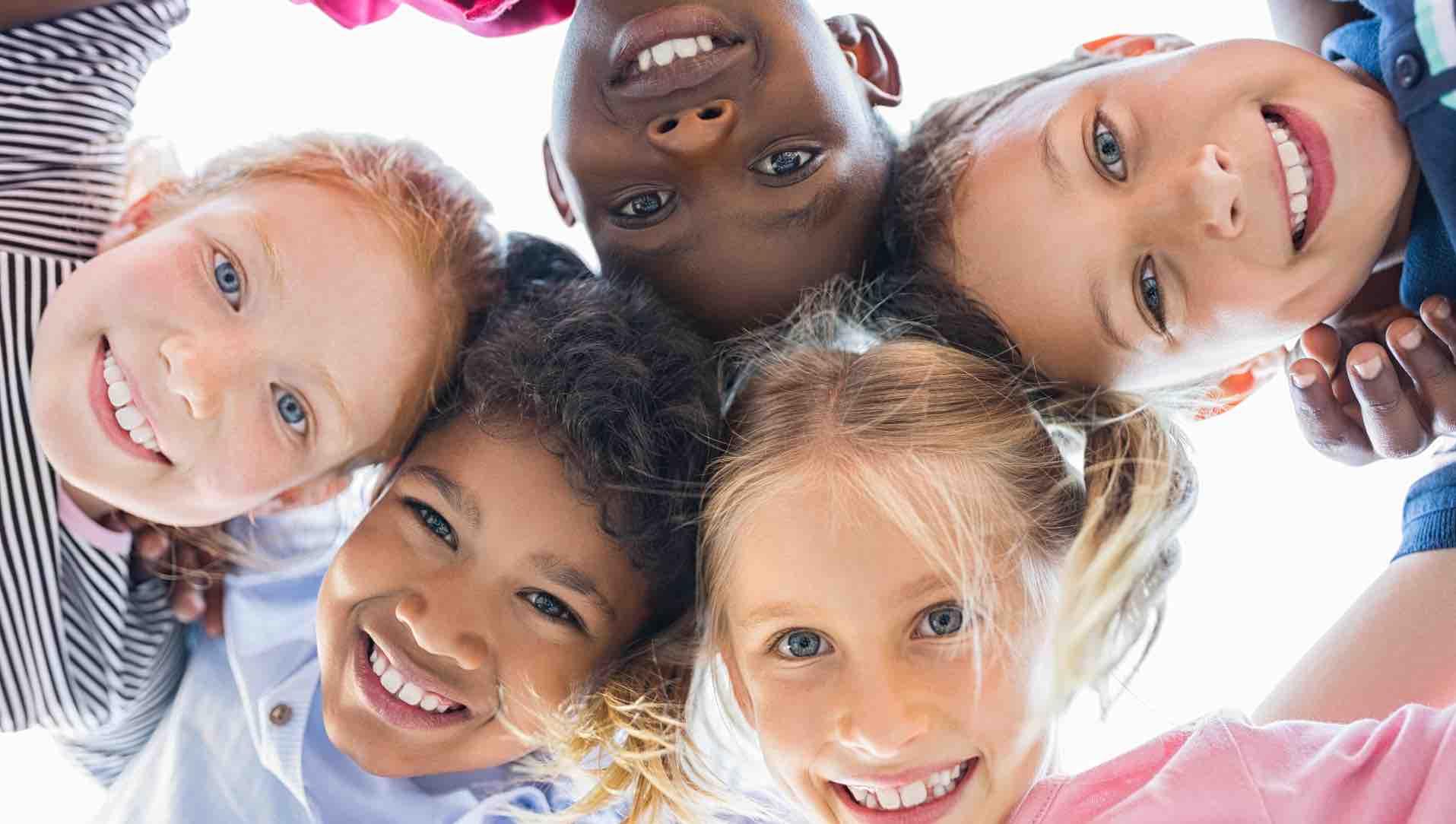 Vielfaeltige_verschiedene_Kinder