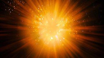 gelbe-strahlen-im-universum